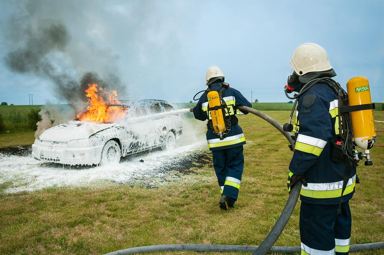firefighter-484540_1280