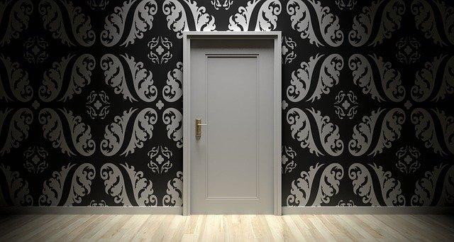 דלת פנים פשוטה
