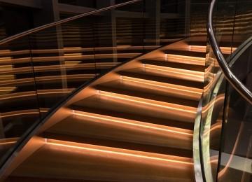 מעקה זכוכית לבית – סגנונות עיצוב רבים לבחירה